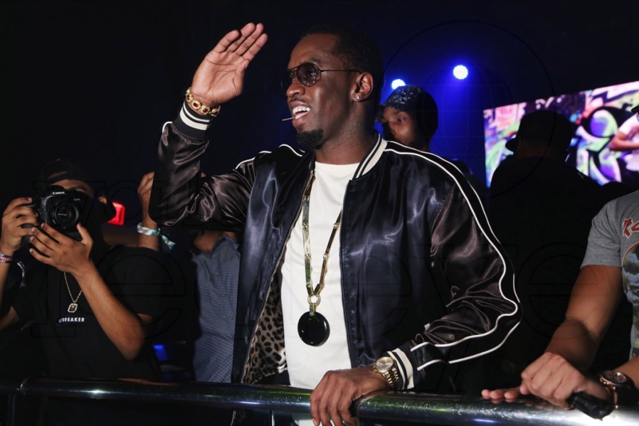 14-2-sean-diddy-combs-898x599